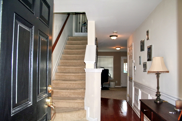 Foyer19-Townhomes