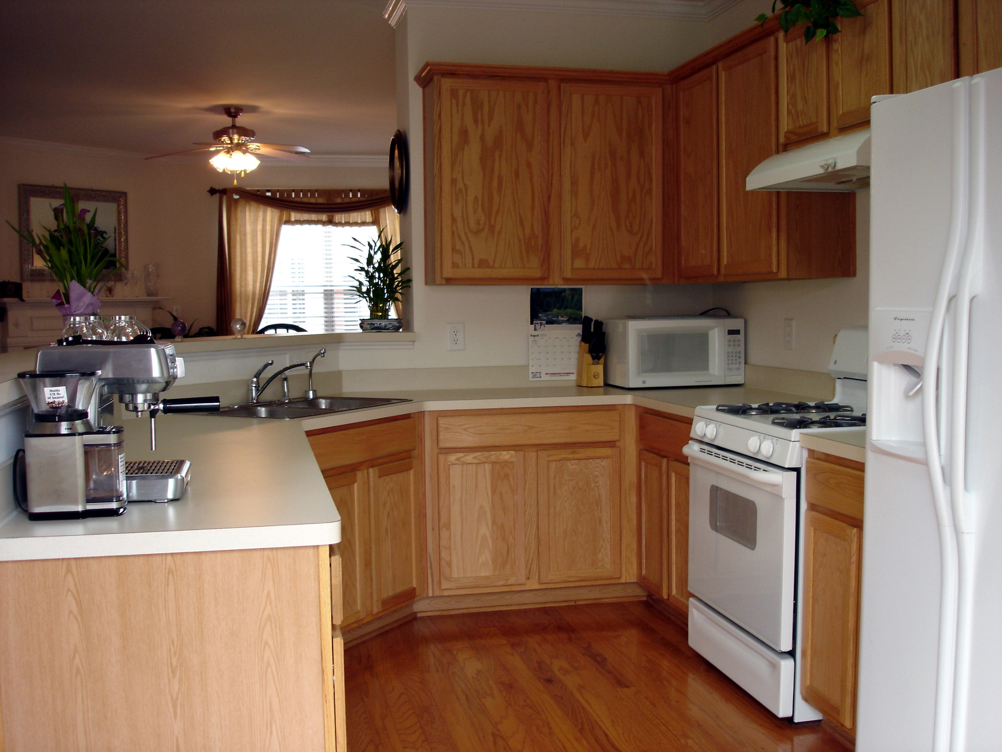 Kitchen16-Townhomes